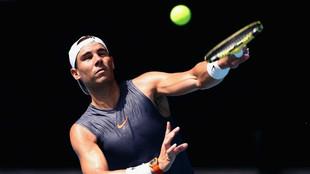 Rafael Nadal, en un entrenamiento previo al Open de Australia