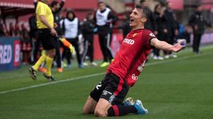 Budirmir celebra uno de los goles ante el Valecia.