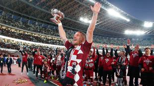Podolski, Campeón del Mundo en 2014, podría llegar a Rayados.