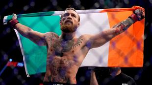 Conor McGregor festejando su triunfo ante Donald Cerrone.