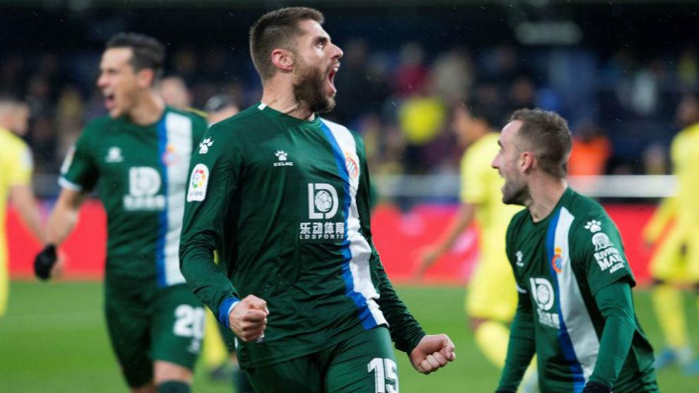 David López celebrando el primer gol del partido.