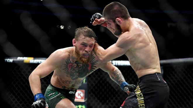 McGregor durante su derrota ante Khabib.