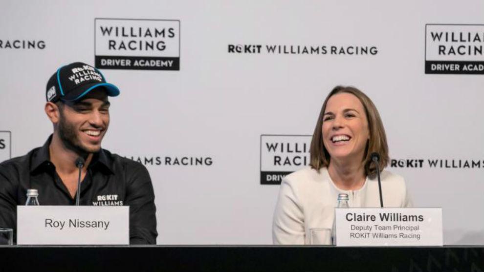 Claire Williams y Roy Nissany, nuevo probador en 2020, en un evento en...