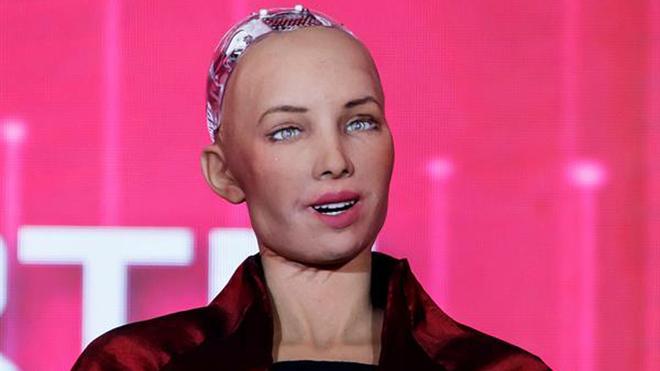 """Así es la cara oculta de los robots """"sociales"""""""