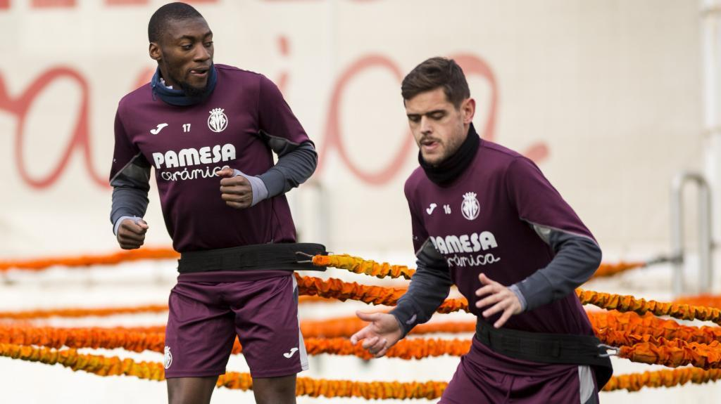 Ekambi. en un entremiento del Villarreal.