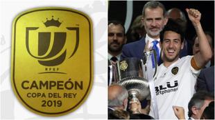 El logo de campeón de Copa y Parejo tras levantar el trofeo del...