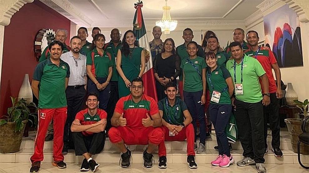 La delegación mexicana que participó en el Mundial de Atletismo en...