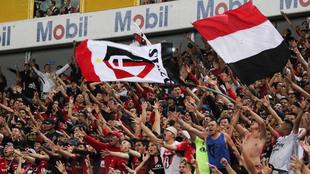 Barristas del Atlas durante el partido ante el Puebla.