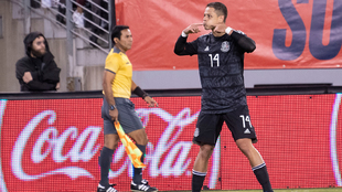 Chicharito con la selección mexicana.