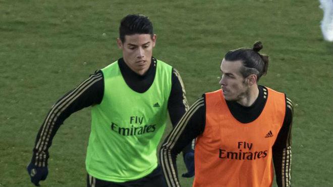 James y Bale, durante un entrenamiento del Madrid