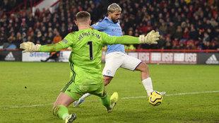 Agüero marca el 0-1 ante el Sheffield United.
