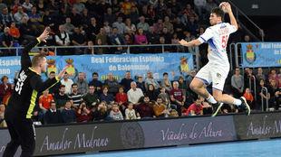 Dani Dujshebaev, en un encuentro con la selección española  /