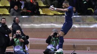 Kylian Mbappé celebra una anotación.