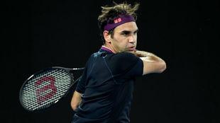 Federer pega de derecha