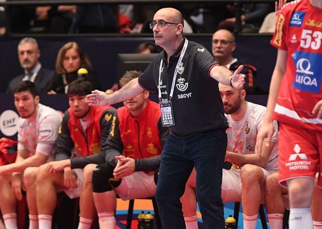Jordi Ribera durante el partido ante Austria /