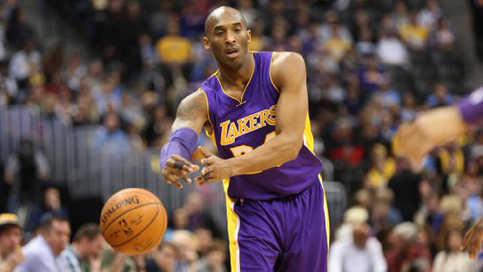 Kobe Bryant firmó una actuación histórica con los Lakers.