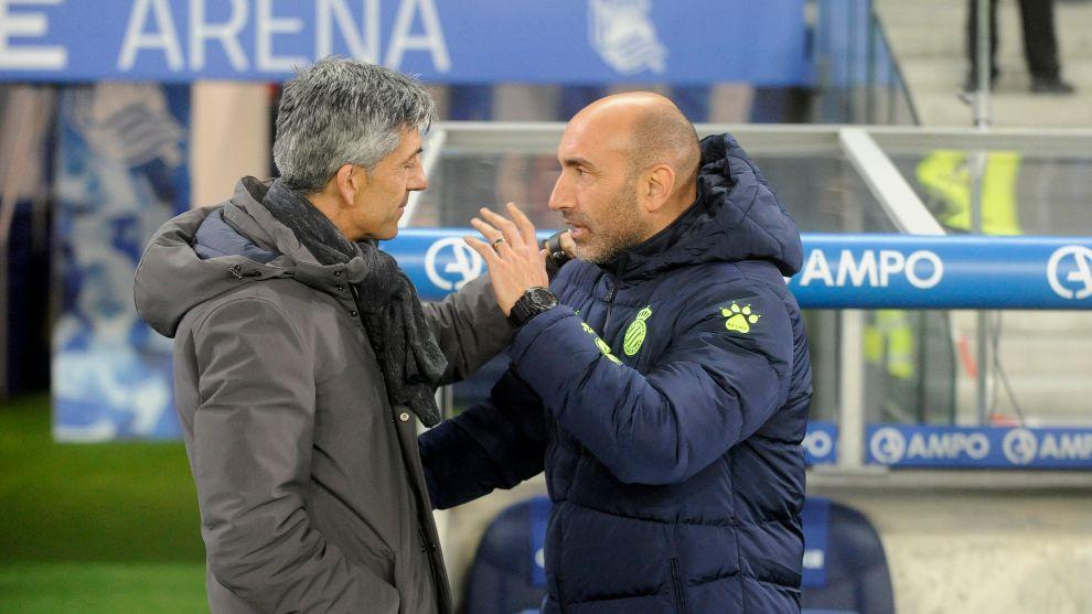 Imanol saluda a Abelardo antes del partido contra el Espanyol.