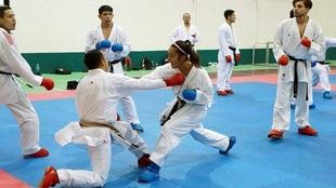 Karatekas mexicanos durante un entrenamiento.