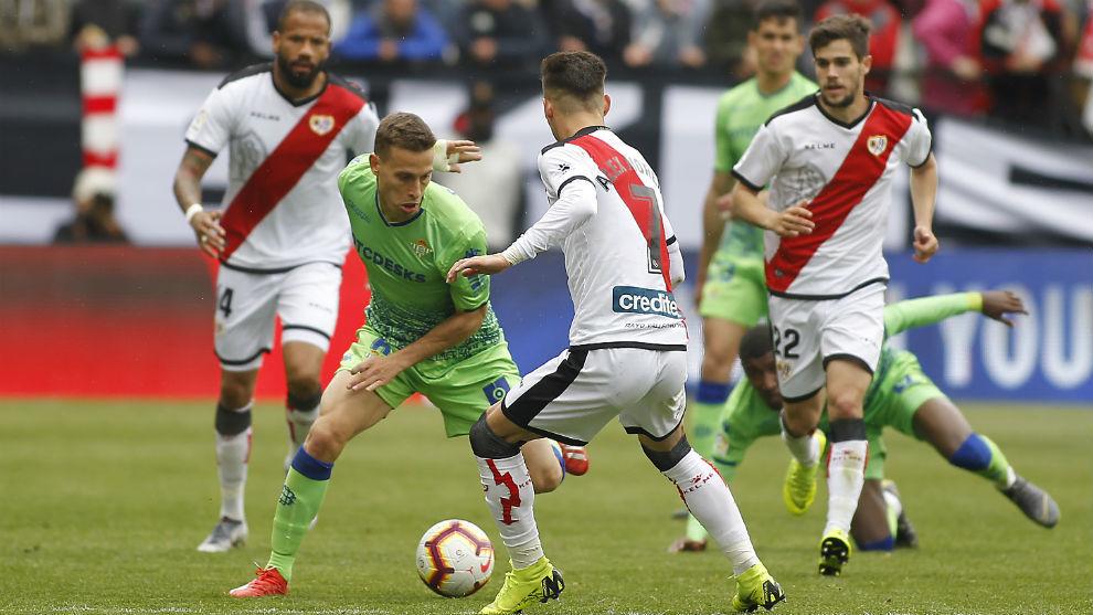 Canales, frente al Rayo en un partido de Liga