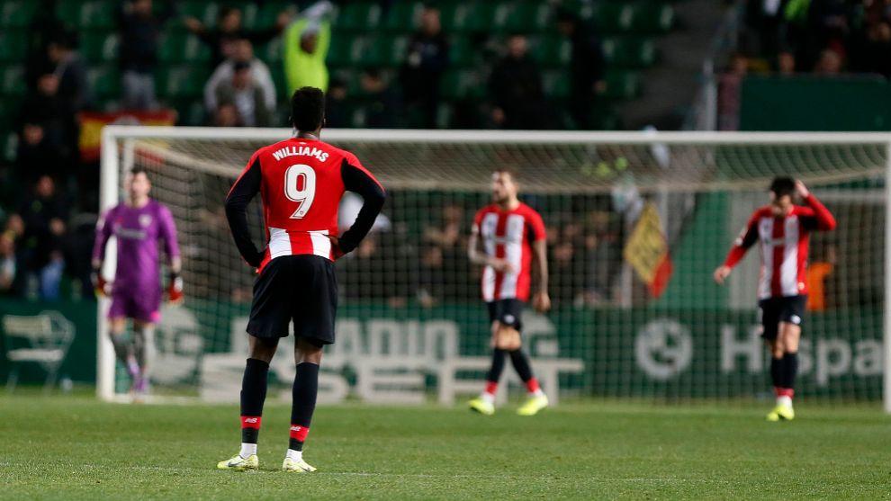 El Athletic empequeñece frente a la portería rival.
