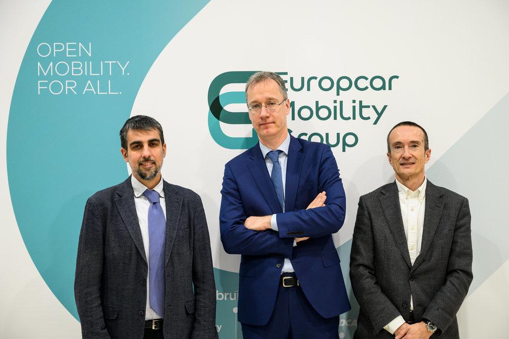 De izquierda a derecha: Lluís Puerto, director de la Fundación RACC;...