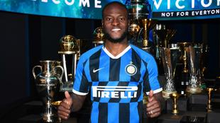 Victor Moses en su presentación con el Inter