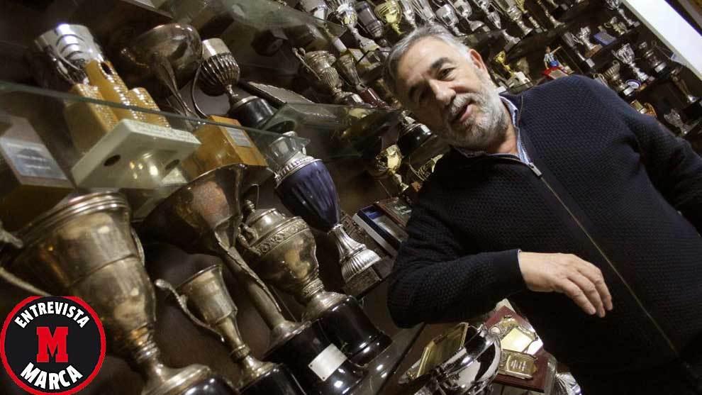 José Fernández Nieto, en la sala de trofeos de El Toralín
