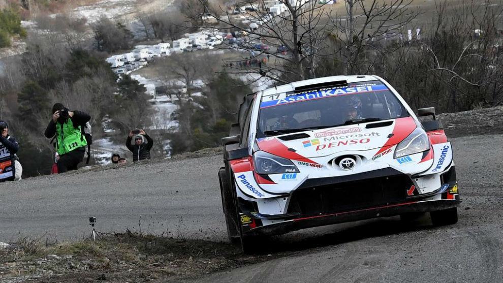 Ogier, sobre su Toyota en el 'Monte'.