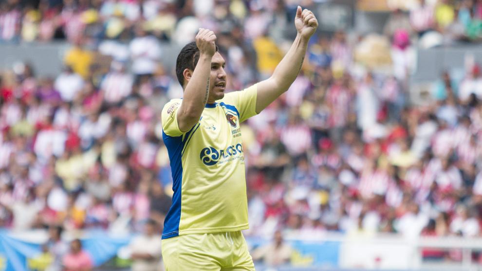 Salvador Cabañas durante un partido entre históricos del América y...