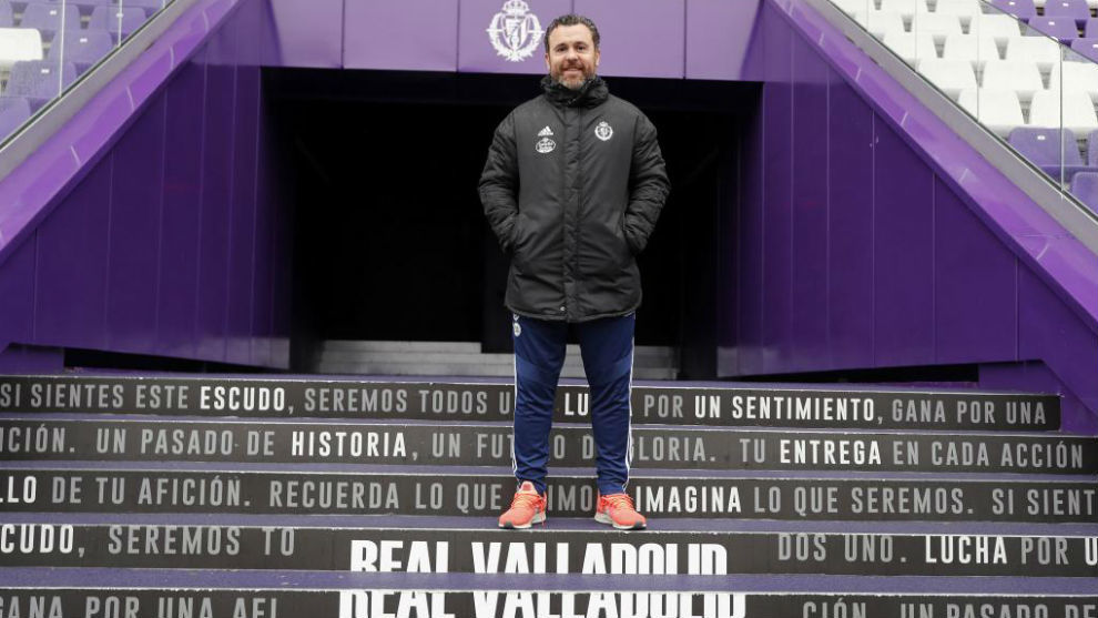 Sergio Gonzalez poses for MARCA at the Estadio Jose Zorrilla.