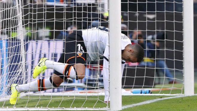Rodrigo durante un partido del Valencia.