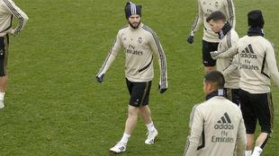 Nacho, en el entrenamiento de ayer del Madrid en Valdebebas.