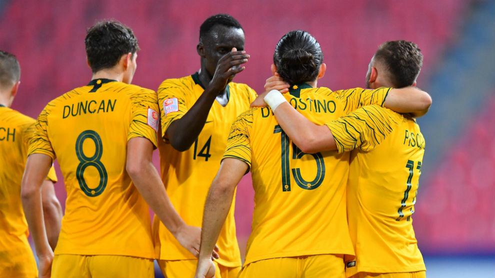 El equipo australiano celebra su clasificación a los Juegos...