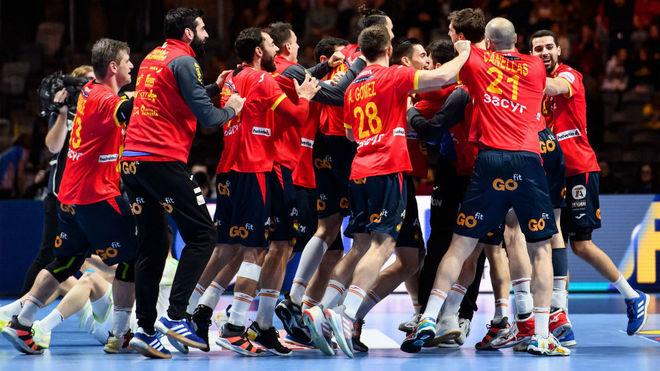 Los 'Hispanos' celebran el pase a semifinales /