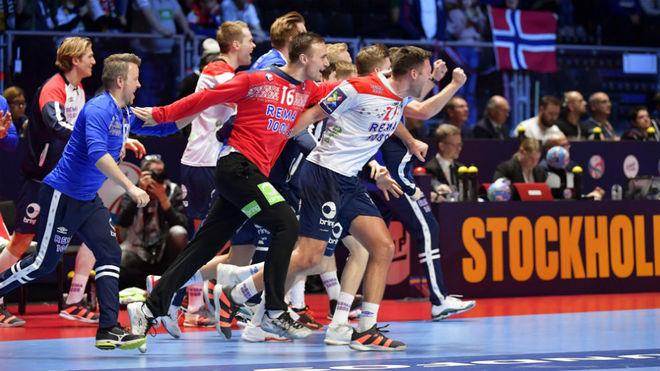 Los jugadores noruegos celebran el bronce en el Europeo /