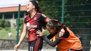 Fabiola Ibarra celebrando un gol con el Atlas Femenil.