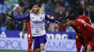 Puado celebra el gol del Zaragoza ante el Numancia,
