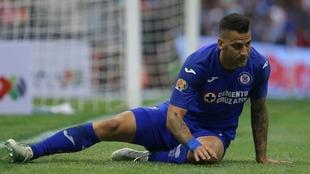 Édgar Méndez, futbolista del Cruz Azul.