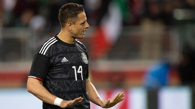 Javier Hernández, en un partido de la selección mexicana.