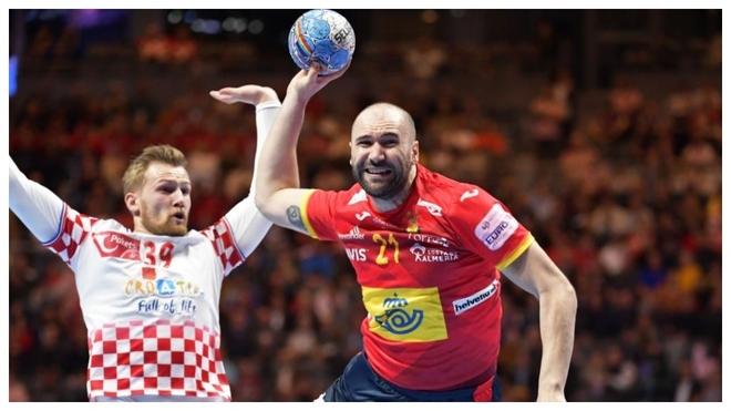 Joan Cañellas, en ataque durante la final ante Croacia /