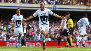 Juan Pablo Vigón celebrando el gol de Pumas.
