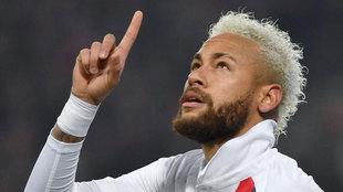 Neymar dedica su segundo gol a Kobe Bryant.