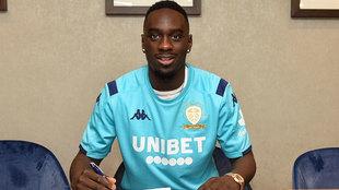 Augustin firma su contrato con el Leeds.
