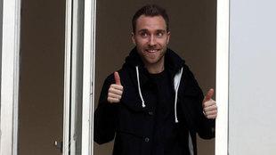 Eriksen saluda desde la venta del CONI en Milán.