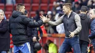 Djukic saluda a Djurdjevic al ser sustituido ante el Fuenlabrada el...