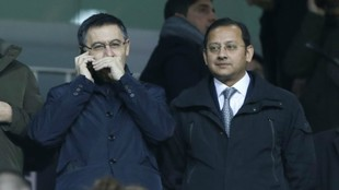Anil Murthy and Bartomeu at Mestalla.