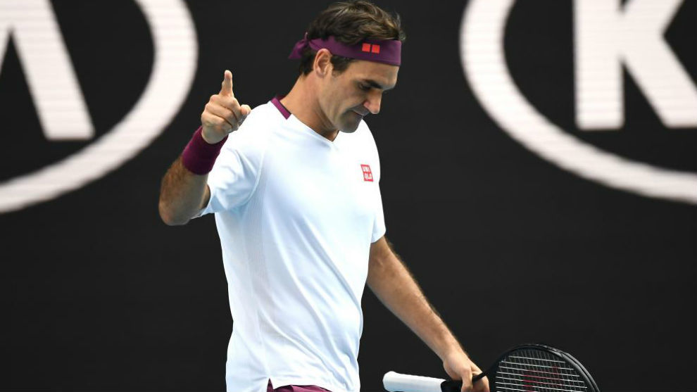 Federer señala una acción