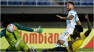 Alexis Mac Allister supera a Wellington Ramírez y Jackson Porozo para...