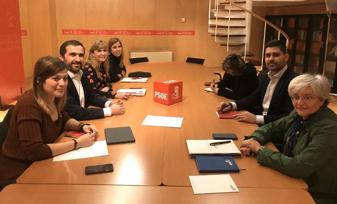 Reunión entre representantes del PSOE y AFE.