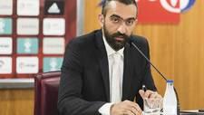 Mohamed El Assy, el director general del conjunto rojiblanco ante la...
